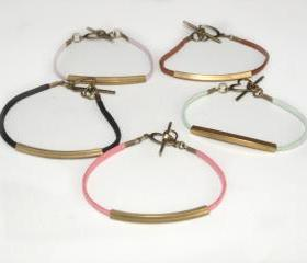 Simple Friendship Bracelet